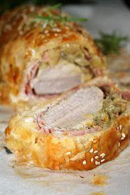 Polędwiczka pieczona w cieście francuskim może być propozycją na uroczysty obiad - wygląda i smakuje wspaniale. Połączyłam ją ze słodyczą ż...