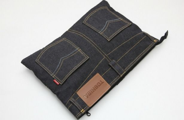 Cool idea for recycling jeans into a useful item. Line this with some old foam from a yoga mat and you can use it as a laptop case.