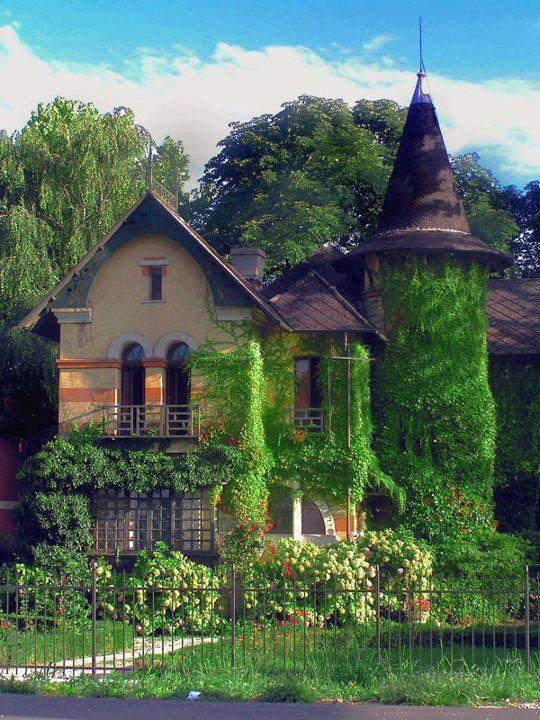 A wonderful country cottage love the witches hat roof for Witches cottage house plans