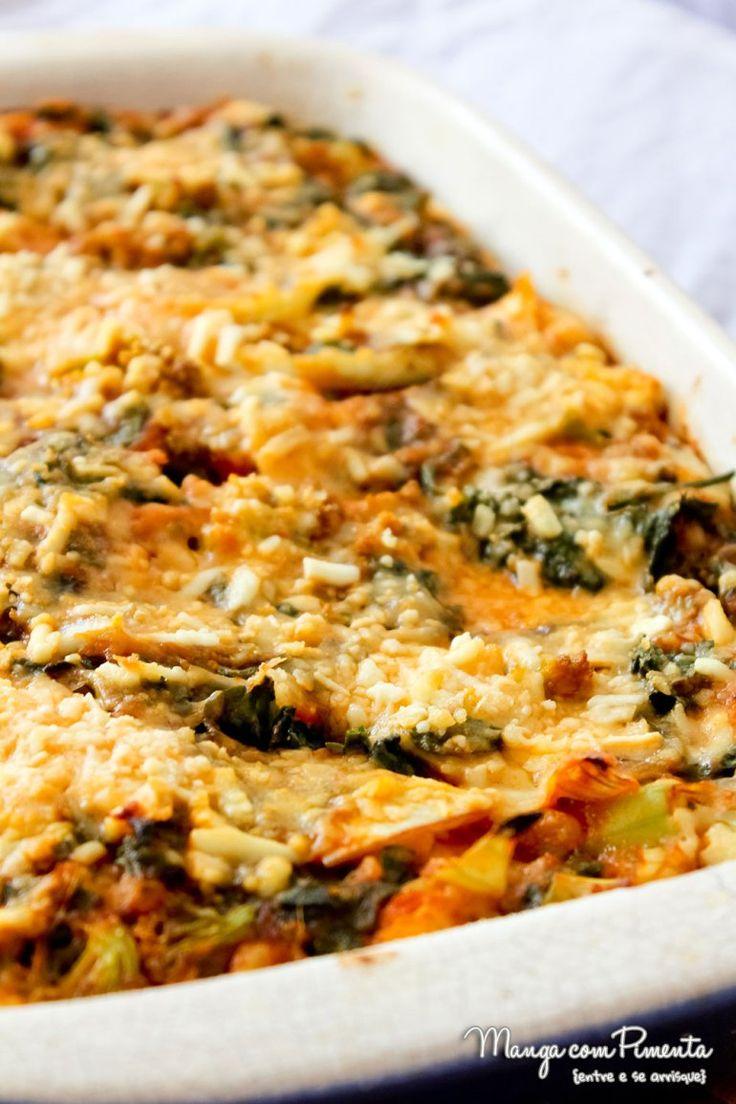 Torta Pizza de Espinafre com Brócolis, para quem está procurando um almoço mais com cara de lanche. Clique na imagem para ver a receita no blog Manga com Pimenta.