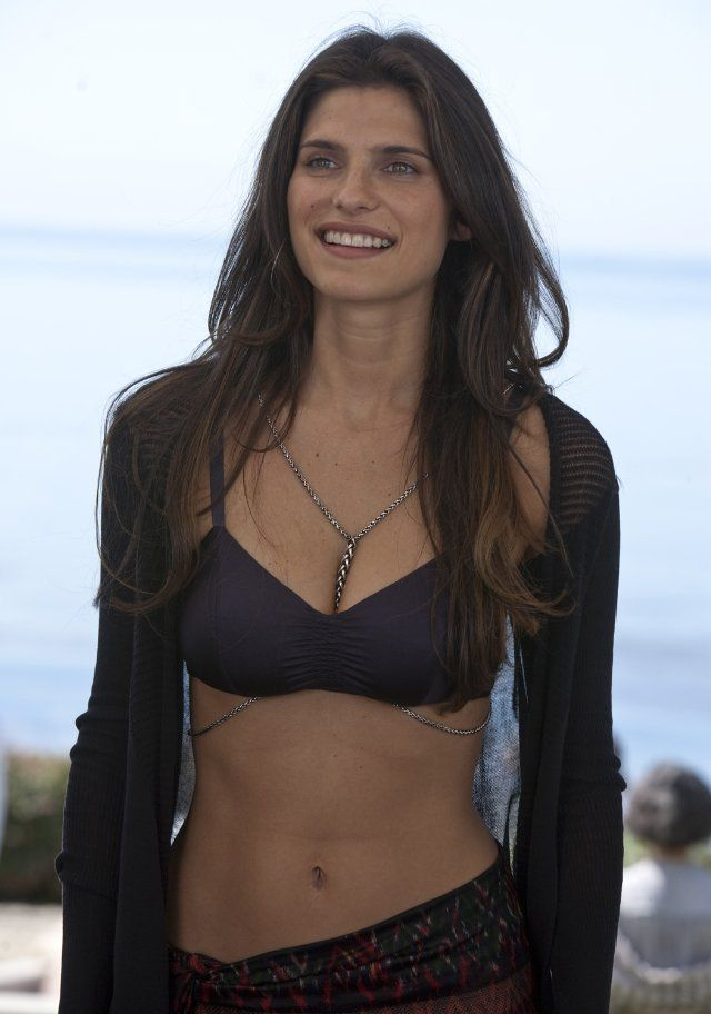 Pin for Later: The Best Bikini Moments in Movies Lake Bell, It's Complicated The bangin' bod is just part of the arsenal of the younger trophy wife Bell plays in It's Complicated.