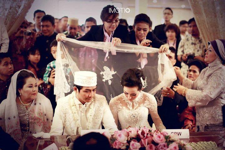 #kebaya #kebaya #kebayamodern #indonesia #ferrysunarto #designer #designerindonesia #pernikahan #wedding