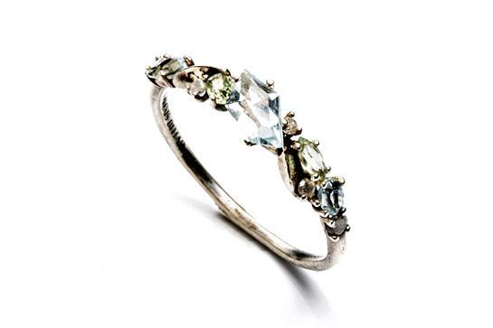 Anillo de compromiso. Engagement ring.