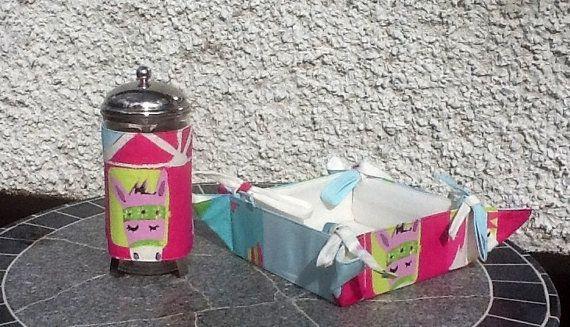 Funky Pink Pony Tea cosy set by Molliesdollsandgifts on Etsy, €24.00