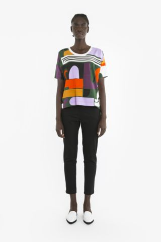 ZORA TEE from Obus Spring17 | A relaxed fitting tee with a brightly coloured Obus print.