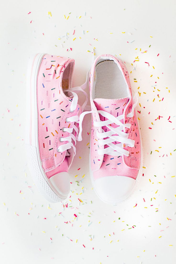 Bespoke Bride's Handmade Confetti Shoes are Festive and Fun #diy trendhunter.com