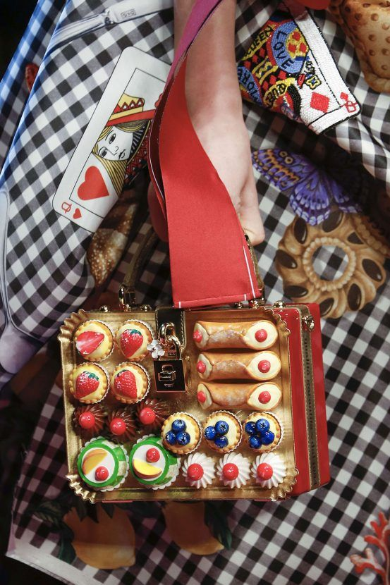 Dolce and Gabbana Biscuit bag  SS18 Milan fashion week