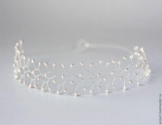 decorações de casamento feitas à mão.  Mestres Fair - feito à mão.  Compre Pérola coroa.  A borda da noiva.  Cabeça com pérolas.  Tiara.  Handmade.