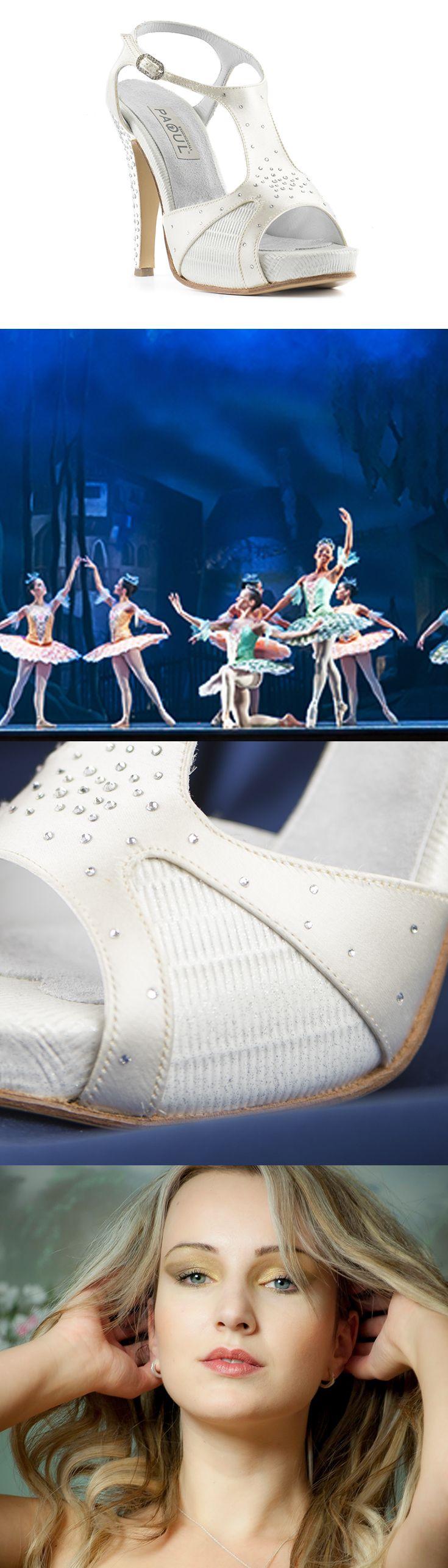 Caterina, 30 anni, ha indossato le scarpe Constellation (920_120I) in occasione di una prima all'arena di Verona. Impossibile passare inosservate! ----- Caterina, 30 years old, wore this shoes (920_120I) on the occasion of an opening in the Arena di Verona. Impossible to get unnoticed! ----- #Paoul #matrimonio #wedding #scarpedasposa #weddingshoes #sposa #bride #bridalshoes #bridal #nozze