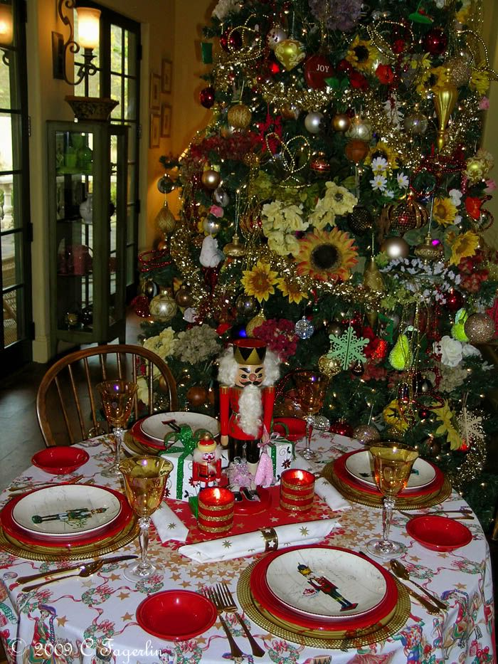 Christmas Centerpieces For Round Tables 132 best christmas - nutcracker tablescapes images on pinterest