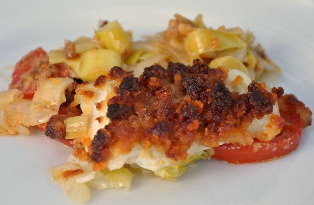 Comme c'est vendredi, une petite recette de poisson :-) J'aime beaucoup les associations terre-mer avec le chorizo (brochette Saint-Jacques chorizo, crème de chorizo pour accompagner du saumon...), cela donne tout de suite du peps. Ici, on a du croustillant...