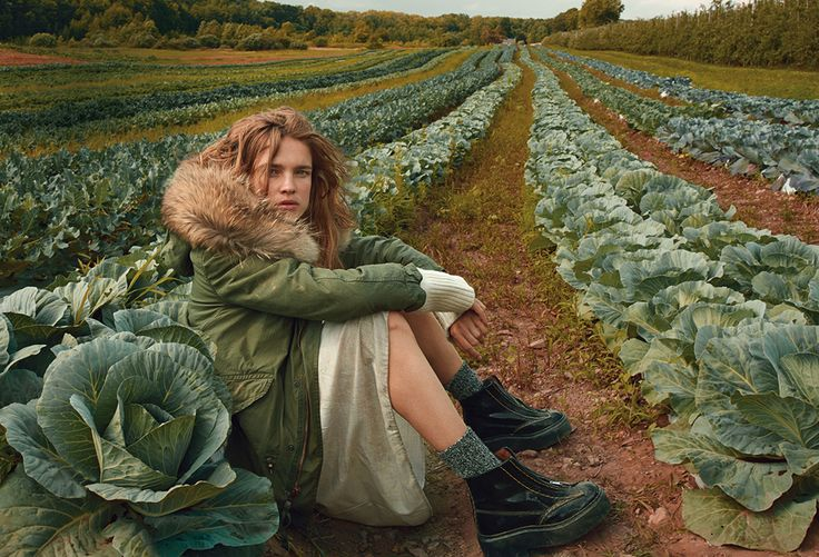 Natalia Vodianova photographed by Annie Leibovitz for Vogue, October 2014. Hair by Recine.