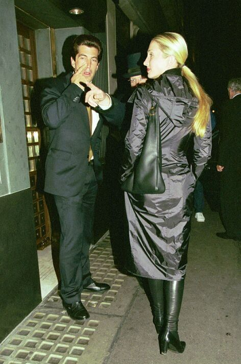John F. Kennedy Jr. and Carolyn Bessette Kennedy - At the Ivy, London.  (1999)