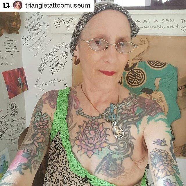 regram @karenlazarovitz_brca In between my surgery updates I wanted to get back to posting some other inspiring mastectomy tattoos. #mastectomy #mastectomytattoo #doublemastectomy  #mastectomie #mastectomia #mastektomi #mastektomie #mastectomi #breastcancer #brca #cancersurvivor #cancerwarrior  #cancersucks #tramflap #cancer #fuckcancer #scarcoverup #breastcancertattoo #hereditarycancer #scarcoverupishtattoo #genetictesting #montreal #breastcancersurvivor #cancersurvivor #tattoo…