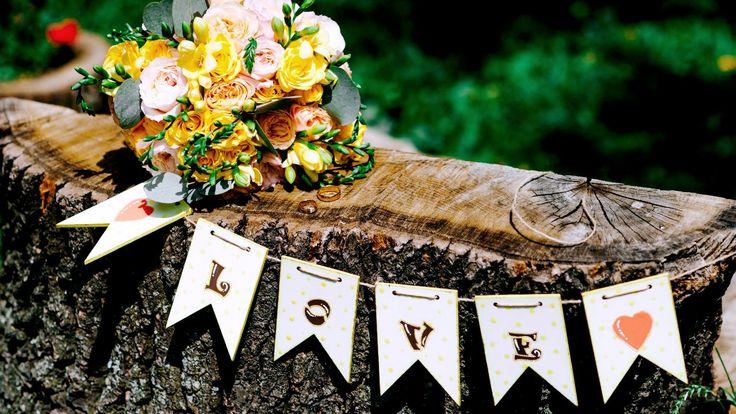 Желтая свадьба. Свадьба в желтом цвете. Оформление зала в желтом цвете. Желтый свадебный букет. Кустовая роза. Букет для невесты. Желтый свадебный букет. Оформление свадьбы в Минске +375296863098. Идеи для свадьбы.