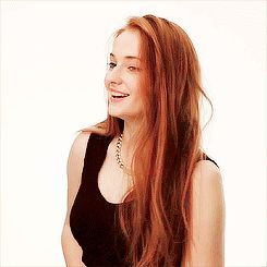 would-sophie-turner-would-make-a-great-jean-grey-and-a-potentially-great-phoenix.gif (245×245)