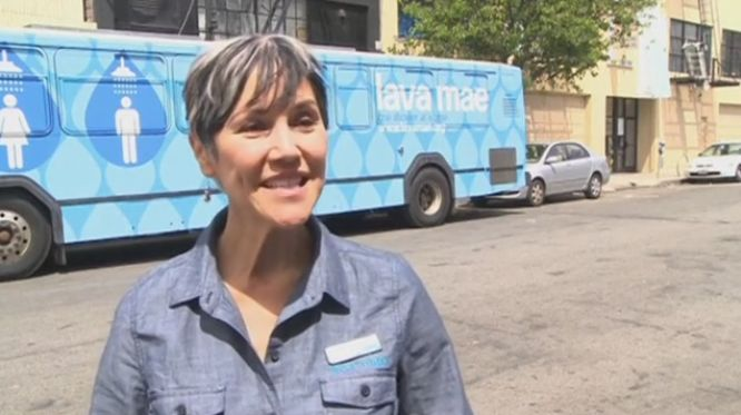 """thinksquad: """" Woman launches mobile showers for the homeless A San Francisco woman creates a """"shower bus"""" to help accommodate the city's 3,500 homeless people. Vanessa Johnston..."""