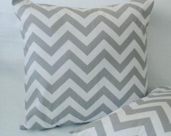 Federe 18 x 18 grigi cuscini cuscini cuscini di Bungalow17 su Etsy
