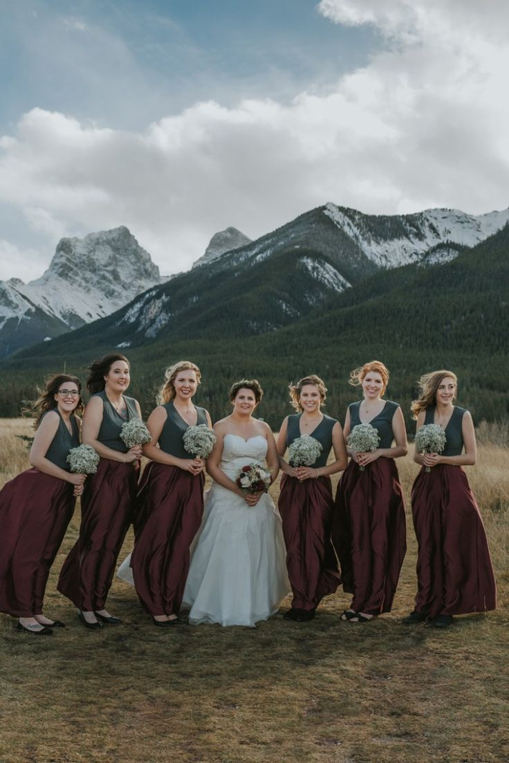 Amanda the bride looked absolutely gorgeous in her strapless gown and those bridesmaid dresses are to die for. We of course can't forget about the men, Johann looked so handsome in his grey suit and burgundy bow tie.  This was definitely one amazing looking wedding party!