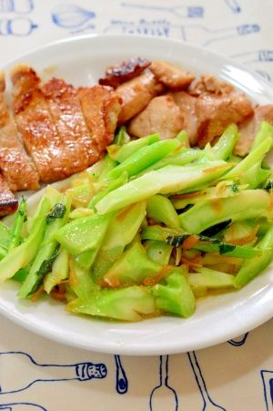 「簡単!エコ!ブロッコリーの茎と☆なめ茸の炒め物」味付けは、なめ茸だけなので、とても簡単です。ブロッコリーの茎を捨てるのは、勿体ないので炒め物にしました。パパっと炒めて、固い位が美味しいですよ。節約!エコです!【楽天レシピ】