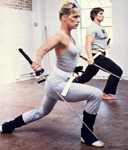 Подготовка Арнольда Шварценеггера к съемкам фильма «Конан-варвар» вместе с Сэндал Бергман, 1982 год