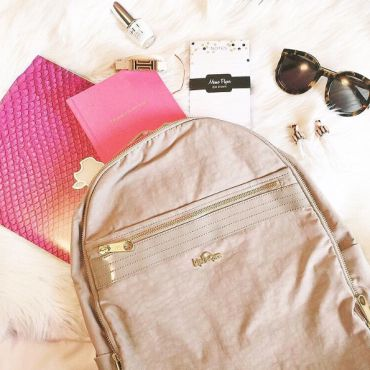 how to pack a backpack.... tips and tricks for staying organized