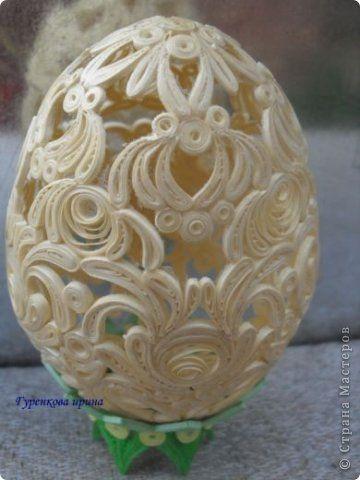 После синего себе сделала это яйцо, но и его отдала подруге Юле, точнее её дочке. Потом ей ещё в гжеле выполнила (может не совсем получилось, но выставляю на Ваше усмотрение) фото 3