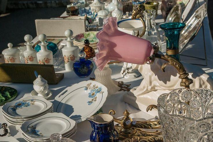 #Sarzana - #Weekend. Per questi giorni di festa, torna una conferma del territorio sarzanese, la #Soffitta in Strada, questa volta in edizione pasquale. Da oggi a #Pasquetta, il #centro storico si anima con il mercato dell' #antiquariato, negozi aperti e tanto divertimento per i più piccoli.
