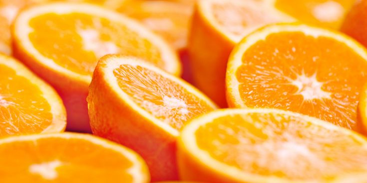 Heel erg leuk, deze sinaasappelkaarsjes. Bovendien is het niet moeilijk om deze fruitige kaarsjes te maken, kijk maar. Ze staan heel gezellig, dezesinaasappelkaarsjes. bron: Libelle TV Bekijk ook: Lees ook: Kerstidee: maak zelf kaarsen van oud kaarsvet! Van die hippe woonwinkel? Welnee! Deze superleuke waxinelichtjes van cement maak je zelf Artikelen van Margriet.nl ontvangen in…