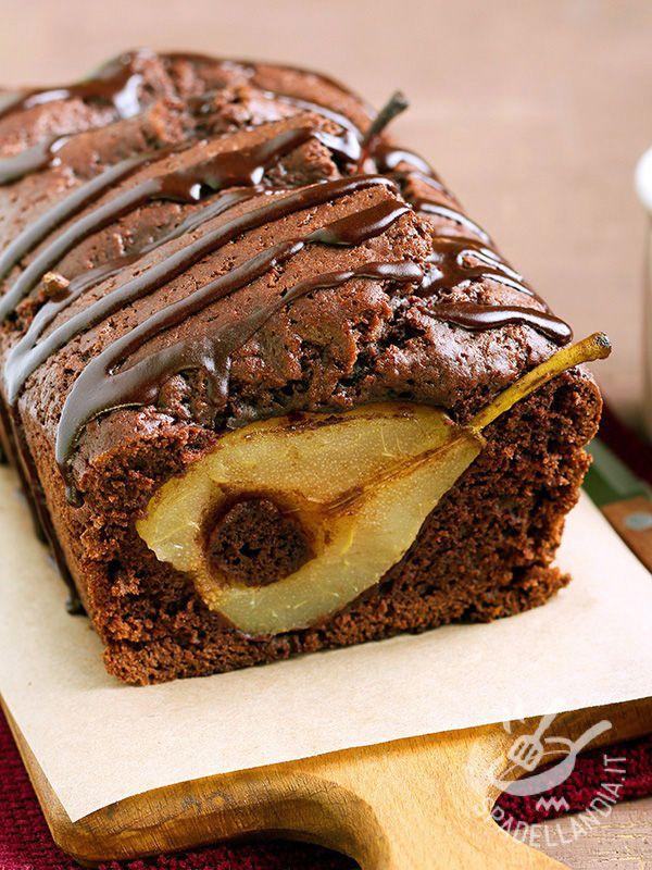 Il Plumcake di gianduia e pere: un dolce che piace sempre ma che stupisce perché abbina alla frutta un ingrediente meno consueto: il cioccolato gianduia.