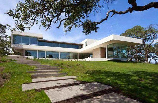 Casa moderna en un viñedo de California http://www.arquitexs.com/2015/05/casa-moderna-en-un-vinedo-de-california.html