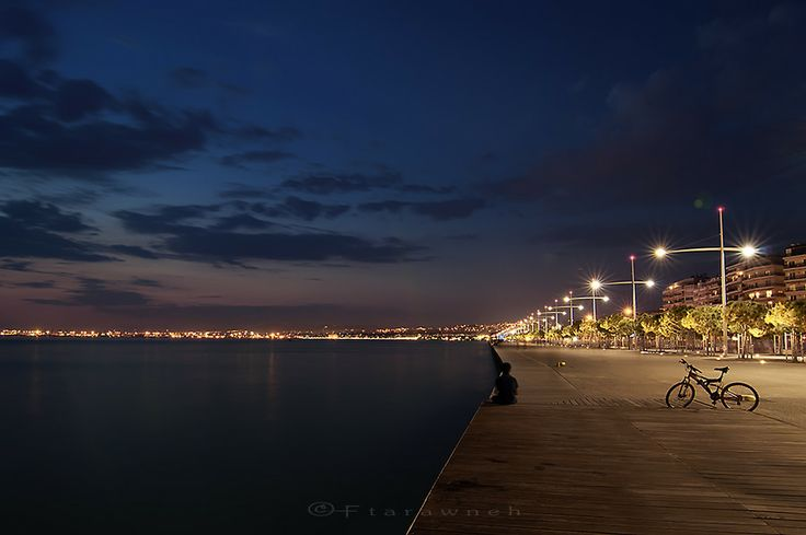 Enjoying the seafront by Fadi Tarawneh on 500px