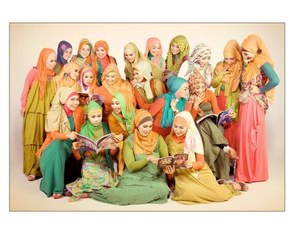 """【ハフィントンポスト】ムスリム女性が被る布""""ヒジャブ""""が今すごいことに。インドネシアのヒジャブ女子のオシャレが止まらない"""
