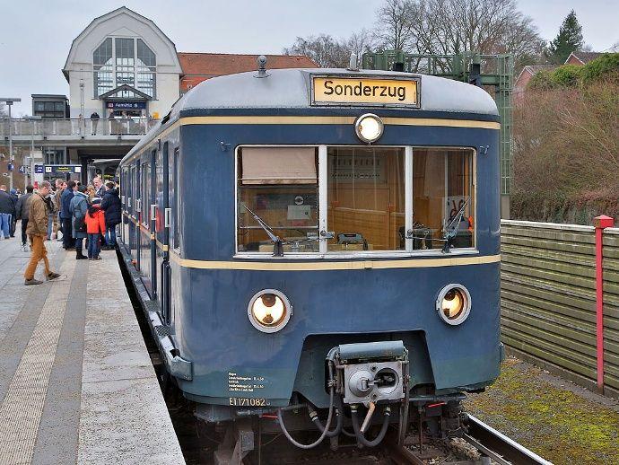 Stadtrundfahrt mit der historischen S-Bahn ET/EM 171