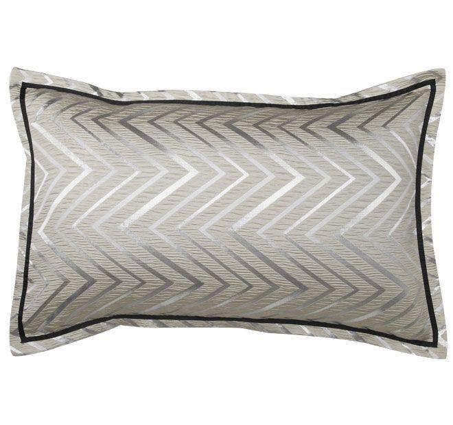 logan-and-mason-ultima-york-standard-pillowcase-champagne