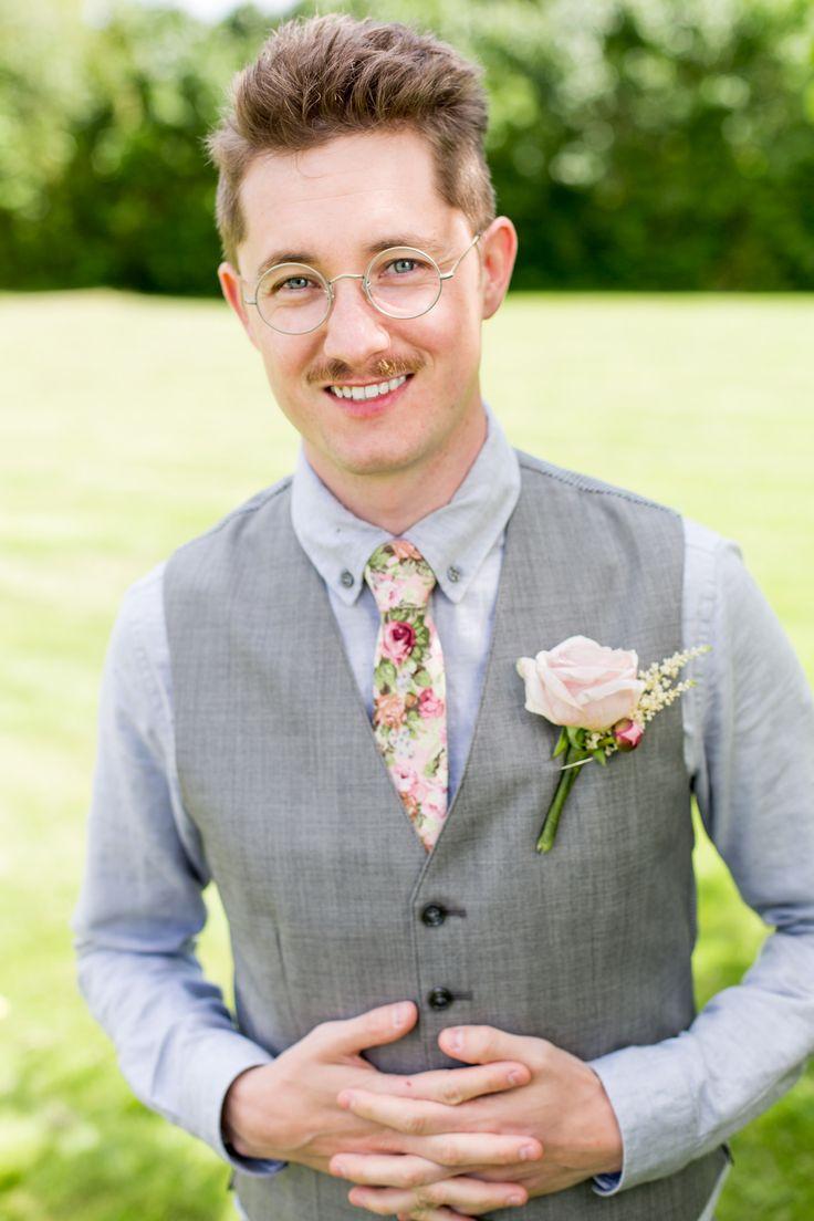 Brudgum, porträtt, bröllop, rosor