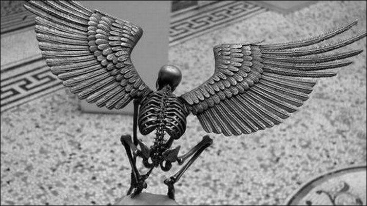 Saul Hernandez - Skeleton Sculptures #gothic