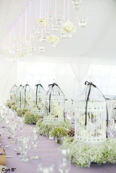 Birdcage and baby's breath tablescape