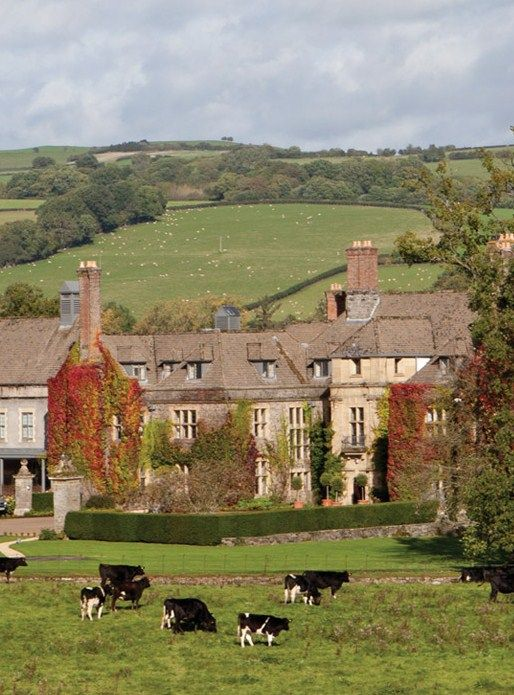 Laura Ashley's Llangoed Hall is a grand estate on the banks of the River Wye in Wales. This is where Robert and I went for our Halloween - courtesy of GREAT friends!