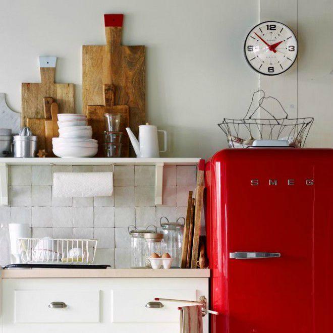 • dÉCOnomies, le même en moins cher : frigo Smeg rouge au look vintage •