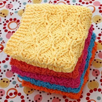 Lily: Download Free Pattern Details - Sugar'n Cream - Honeycomb Check Dishcloth (knit).