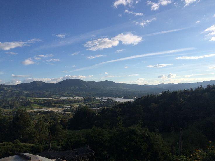 Vista hacia la Montebello desde la cima del Capiro
