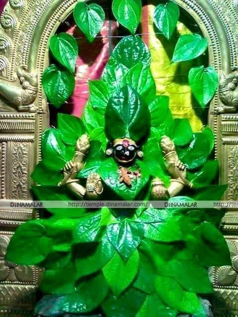 கோலாப்பூர் மகாலட்சுமி. வெற்றிலை அலங்காரம்