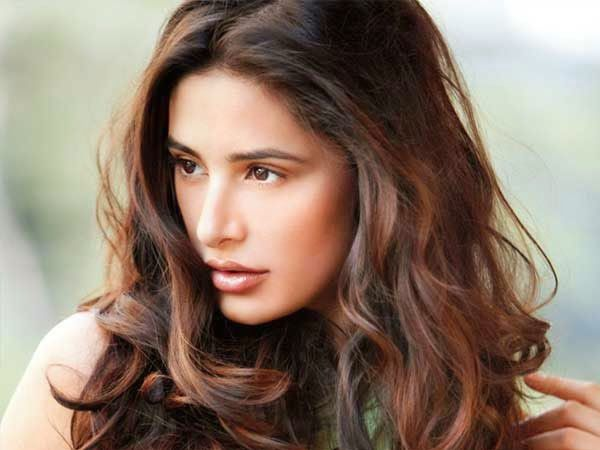 how to make indian hair styles 19 best nargis fakhri images on 8791