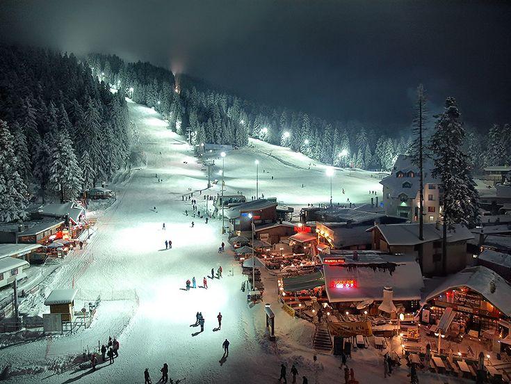 Borovec- night. skiing.