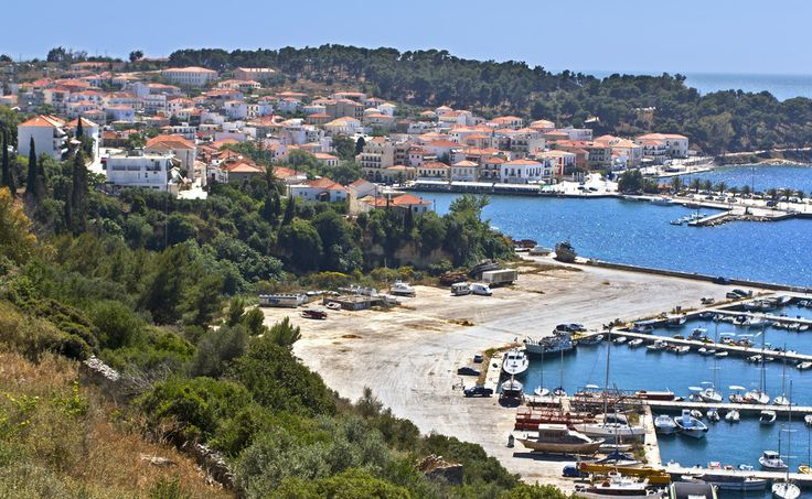 Pylos, a picturesque town of 2,500 residents, enchants with its beauty both locals and visitors. It is built in the southwestern part of the Peloponnese, in the beautiful landscape of the Messinian land, overlooking the Ionian Sea. #Greece #Messinia #Terrabook #Travel #GreeceTravel #GreecePhotografy #GreekPhotos #Traveling #Travelling #Holiday #Summer