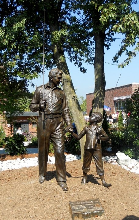 Andy Griffith bronze statue in front of The Andy Griffith Playhouse...presented to them by TVland...