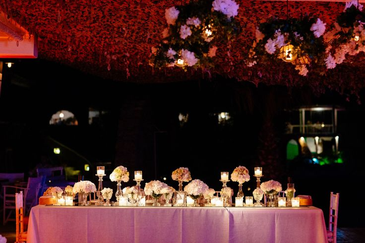 Bridal table is ready for the newlyweds <3