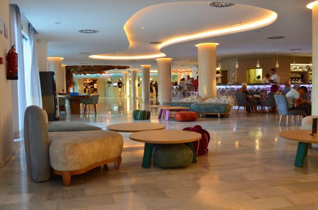 Hall del Hotel Palladium White Ibiza