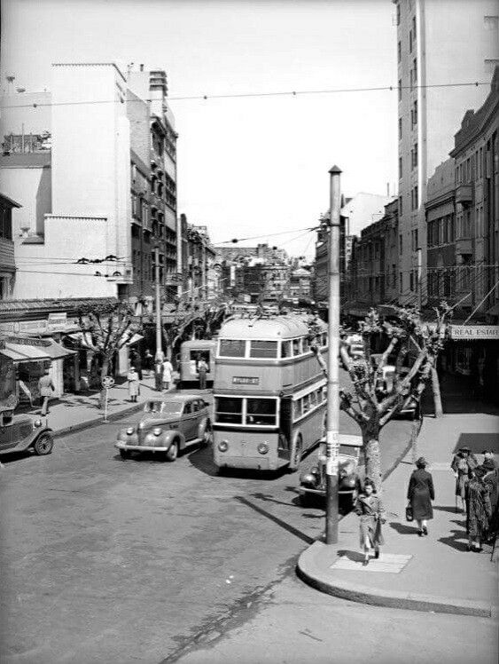 Kings Cross,in the eastern suburbs of Sydney in 1946. •Fairfax Archives•   🌹